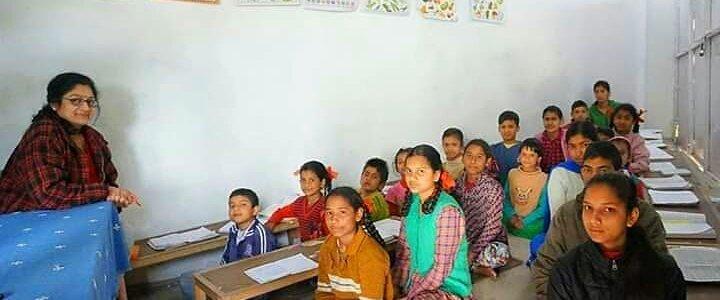 उत्तराखंड : गरीब और वंचित बच्चों को शिक्षा उपलब्ध करा रही हैं डॉ. कविता, राज्य को किया जीवन समर्पित