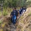 आजादी के बाद उत्तराखंड के इस गांव में पहली बार पैदल चलकर पहुंचा कोई जिलाधिकारी, लोगों में कोतूहल