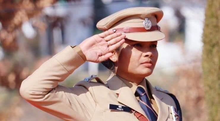 उत्तराखंड कोरोना योद्धा : पुलिस अधीक्षक प्रीति ने खोजा बीमारी को दूर रखने का नायाब और असरदार तरीका, Uttarakhand Corona Warriors