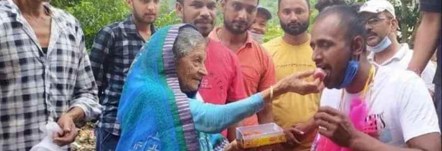 Uttarakhand चीनी सैनिकों से भिड़ा था जवान, छुट्टी आने पर गांव ने स्वागत किया, जुलूस निकाल शहर में घुमाया