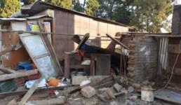 Uttarakhand जेसीबी मशीन से दुकान तोड़कर चोर ट्रक में भरकर सामान ले गए, हर कोई हैरान