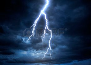 39034898-a-lightning-strike-on-the-cloudy-sky