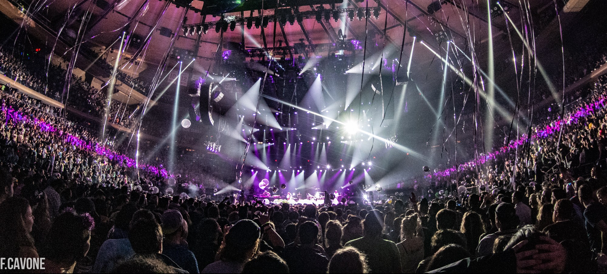 """Phish New Year's Eve 2018 Recap: """"This is What Space Smells Like"""""""