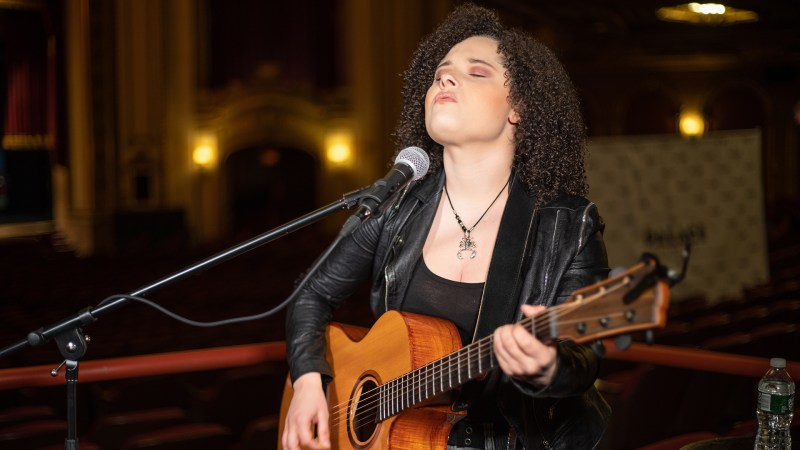 "VIDEO: Moriah Formica Performs ""I Will"" Live at the Palace Theatre in Albany, NY"