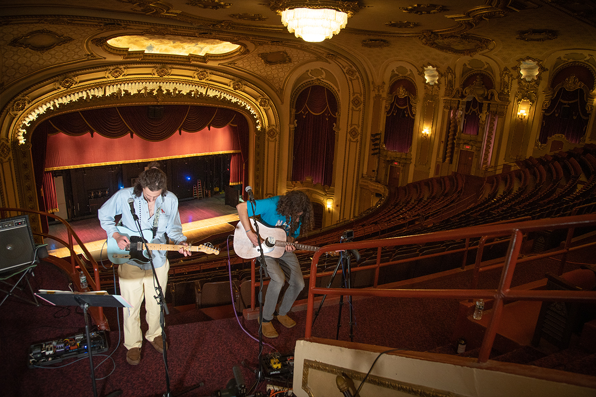 """VIDEO: Righteous Fists of Harmony Performs """"Sixteen"""" at the Palace Theatre in Albany, NY"""