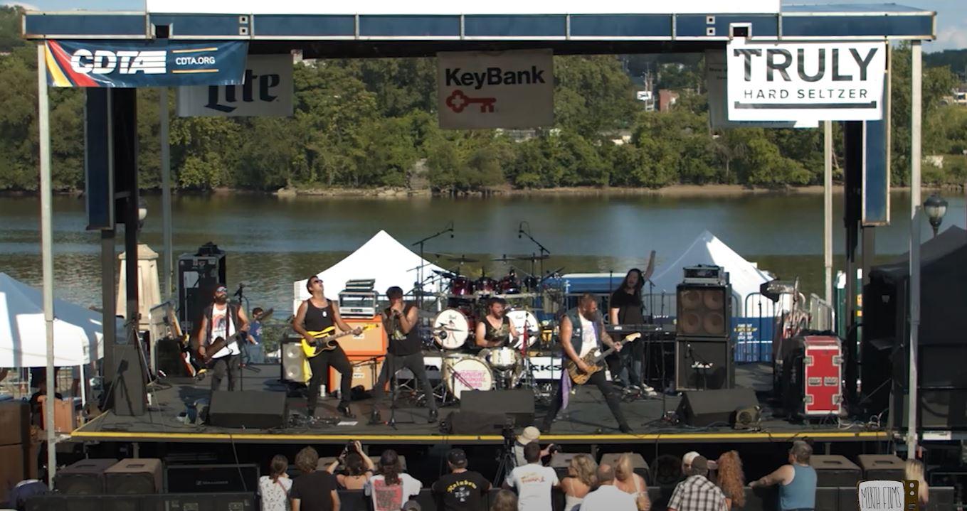 "VIDEO: Joe Mansman Performs ""Wild Woman"" at Jennings Landing in Albany, NY"