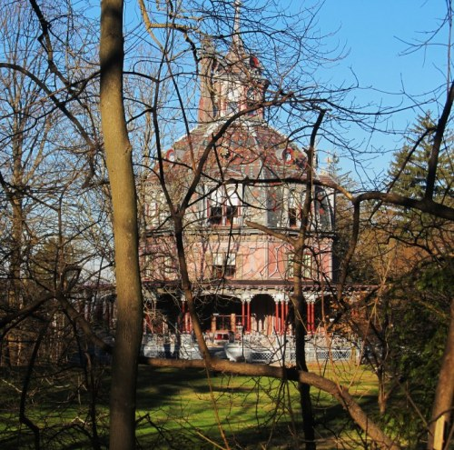 Weekly Photo Challenge: Unique… Octagon House