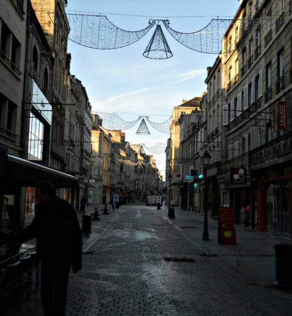 Weekly Photo Challenge: EARLY BIRD - Street in Caen