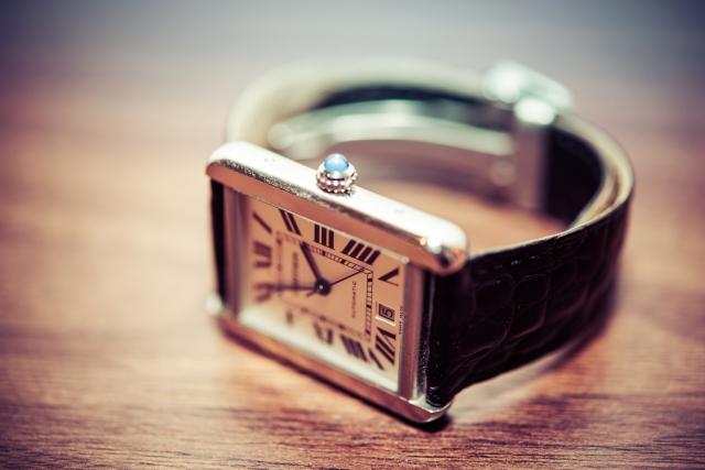 喪服に合わせて良い時計は?革やメタルバンドやブレスレットタイプは?の画像