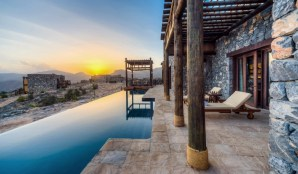 alila-jabal-akhdar-terraces-with-pool-landscape-view-sundown-M-02-r-1