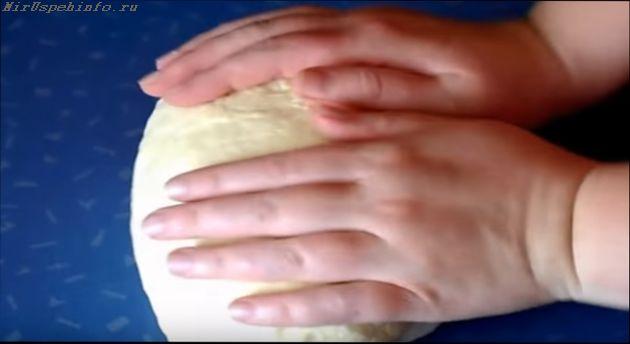 тесто для чебуреков на минералке 3