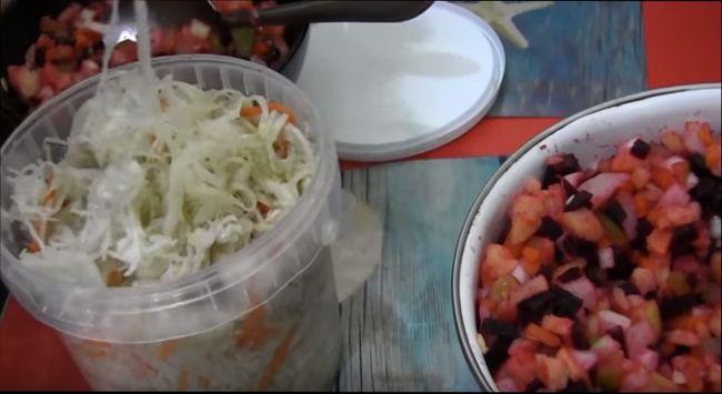 Как правильно приготовить свекольный винегрет с кислой капустой