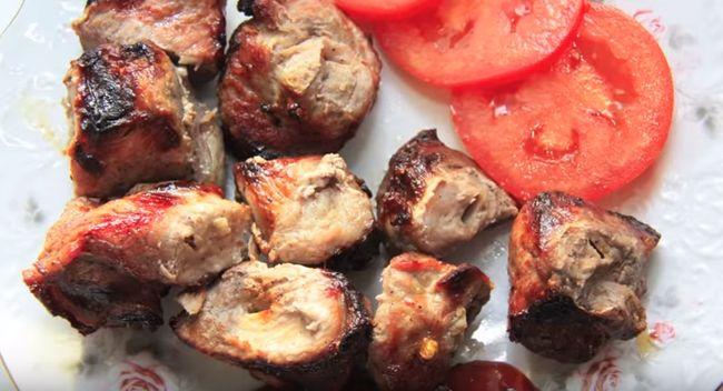Что подавать к шашлыку из свинины
