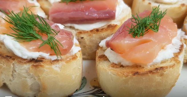 Бутерброды с подкопченной семгой