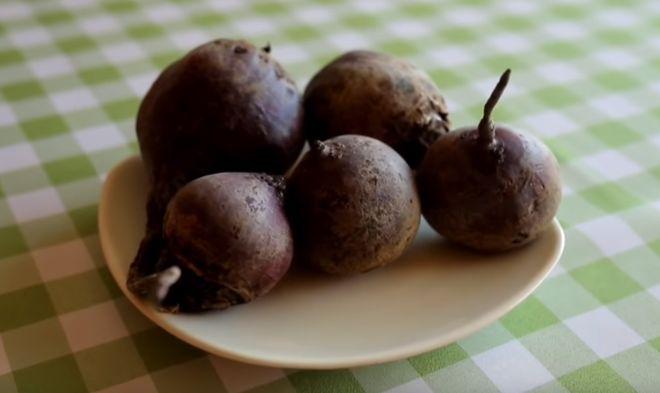Рецепт свекольного салата для сыроедов