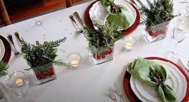 Сервировка новогоднего стола начинается со скатерти