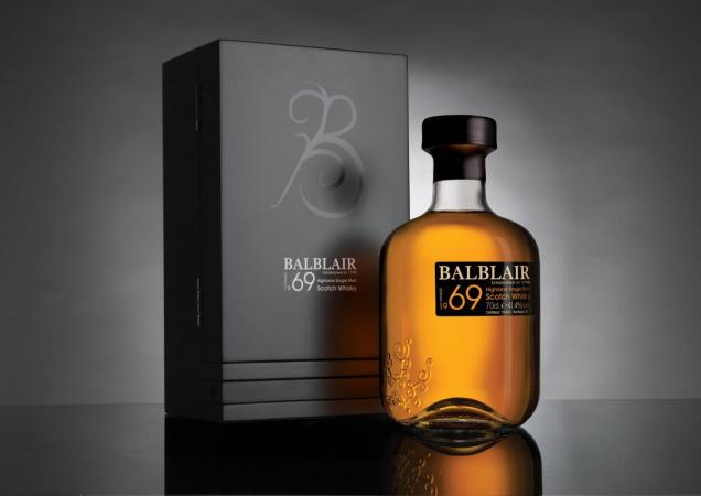 Balblair bottle diseños de packaging