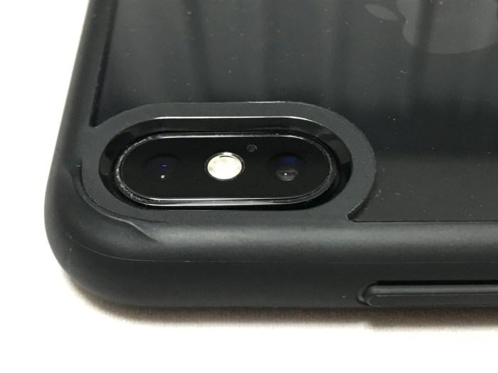 spigen iphone xs maxケース カメラ位置