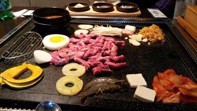 A particularly festive galbi experience!