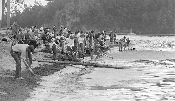 1973 Oil spill Vancouver j