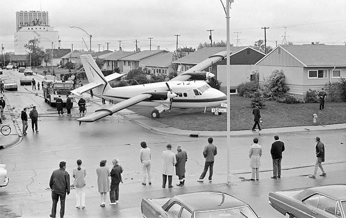 1971-09-00_plane