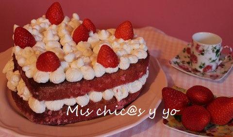 Tarta de nata y fresa para San Vañentín