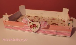 Caja de fresas con servilletas de papel