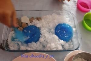 Juegos sensoriales con hielo