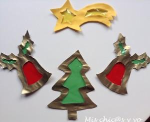 Adornos de cartulina, vidrieras de Navidad