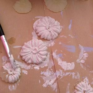 Flores en relieve con pegamento silicona