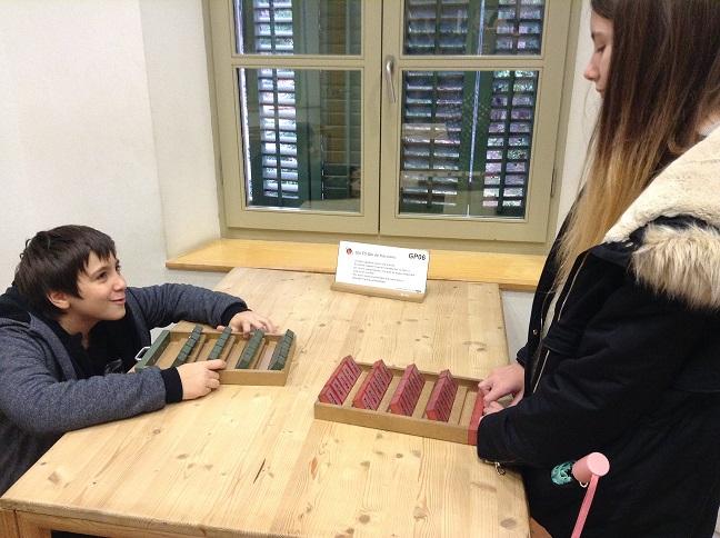 Juegos en el museo de matemáticas de Cataluña