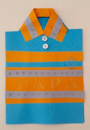 felicitación tarjeta en forma de polo de camisa
