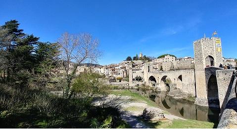 Puente de Besalú medieval