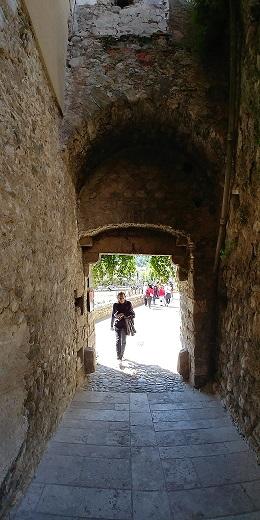 Portal dels Horts, Besalú