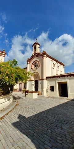 Edificio refectorio Monasterio Budista del Garraf