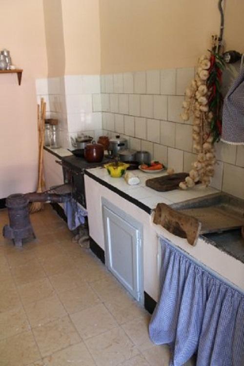 Cocina en la colonia de Sant Corneli