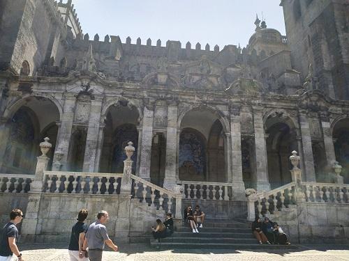Fachada lateral, catedral Oporto