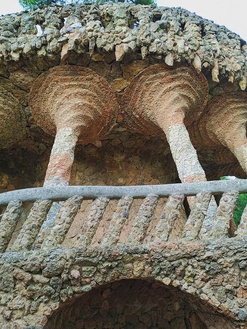 Portal Bugadera, Güell