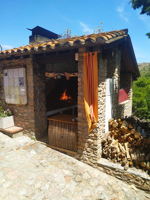 Barbacoa de l'Hostal, Castellnou