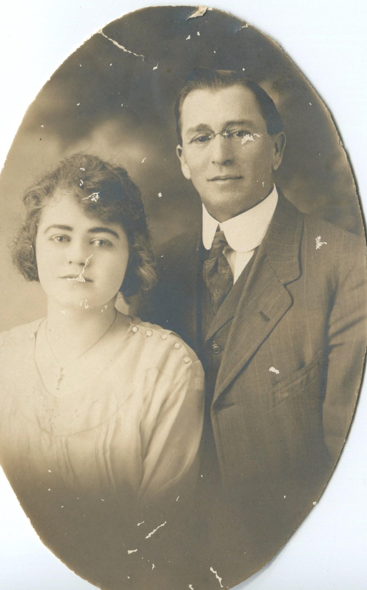Annie & Arthur