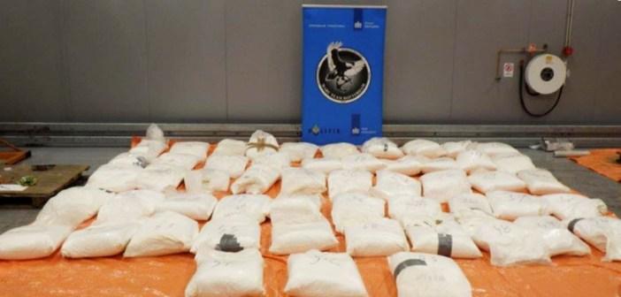 Douane vindt 1329 kilo cocaïne tussen koffiebonen in Rotterdamse haven