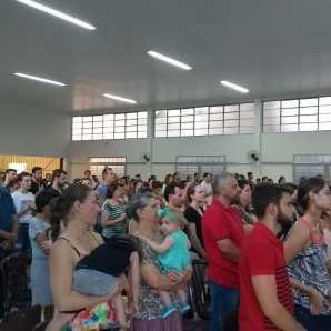 Mais de mil pessoas participaram da celebração.