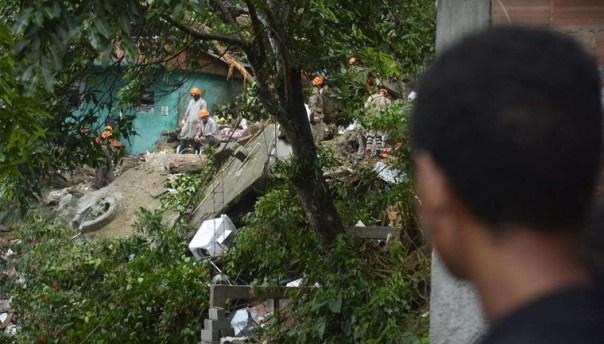 Chuvas no Rio deixaram 10 mortos.