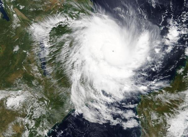 Imagens de satélite- ciclone kenneth