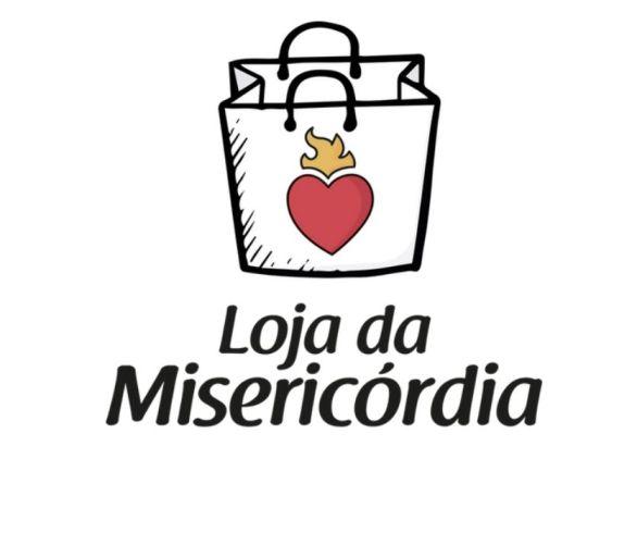 ilustração-sacola-com-coração-vermelho-fundo-branco-embaixo-loja-da-misericórdia
