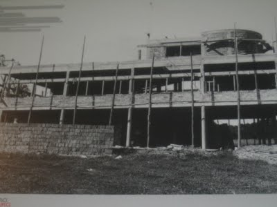 the Villa Savoye being constructed