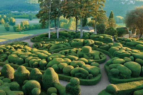item2.rendition.slideshowWideHorizontal.topiary-gardens-03-bastion