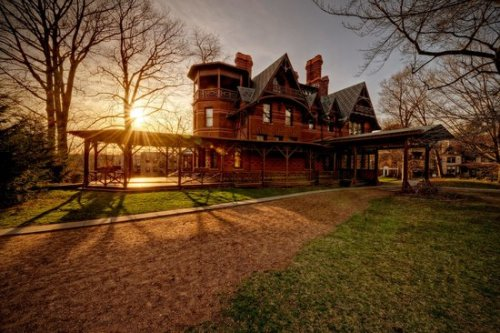 twain-house-at-sunset.jpg