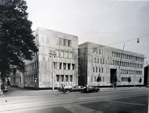 Marcel-Breuer-US-Embassy-in-Den-Haag-1955-58-Smithsonian-Archives-for-American-Art.jpg