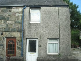 a_two-up_two-down_former_quarrymans_terraced_cottage_-_geograph-org-uk_-_490506